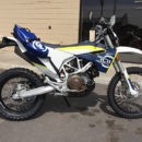 blue-mojavi-saddlebag-husqvarna-701-enduro